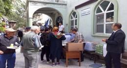 Vatandaşlara pilav ayran ikramı yapıldı