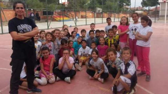Pınarhisar'daki ilkokullara antrenör desteği