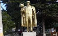 Atatürk Heykeli'nin boyası yenilendi
