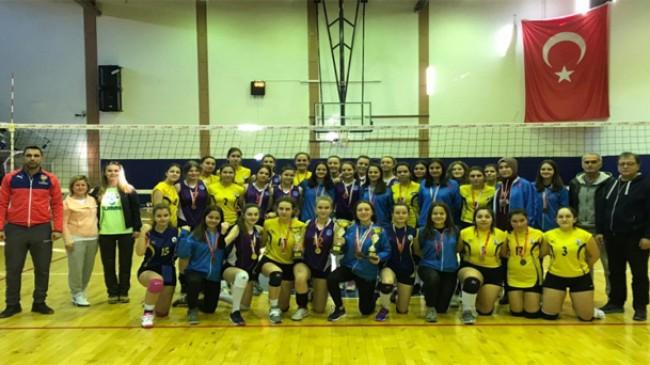 Pınarhisar Anadolu Lisesi'nden il üçüncülüğü