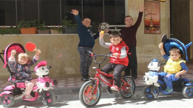 Sokaklar çocuk sesleri ile şenlendi