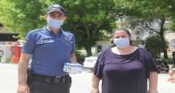 Polis hem uyardı hem maske dağıttı