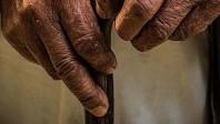 90 yaş ve üstüne Covid-19 aşılaması