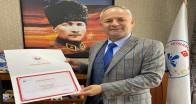Vali'den Başkan Türker'e Teşekkür Belgesi