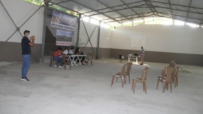 Poyralı Köyü'nde halksız halk toplantısı